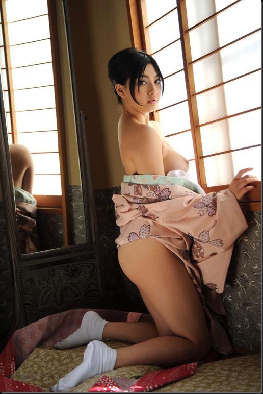 Saori Hara in Kimono_246748-0055