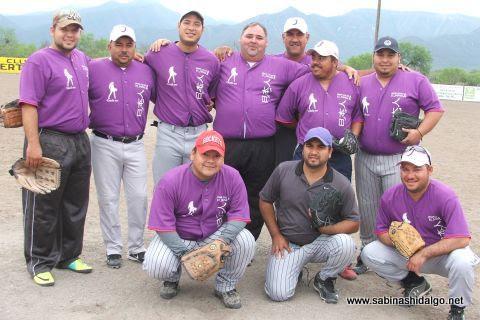 Equipo Japoneses en el softbol del Club Sertoma