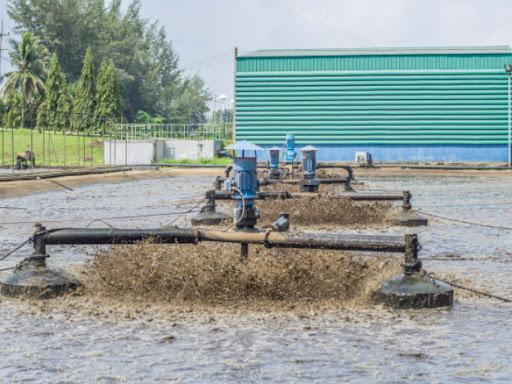 Tratamento de águas residuais de tanque de lodo ativado aerado