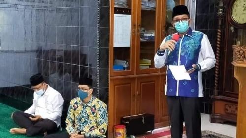 Wali Kota Padang Ingatkan Jemaah Masjid Kenakan Masker