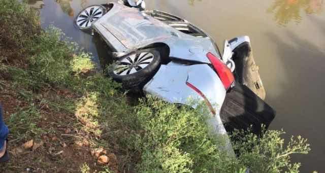 Seis personas muertas tras caer carro a canal de riego en Arenoso