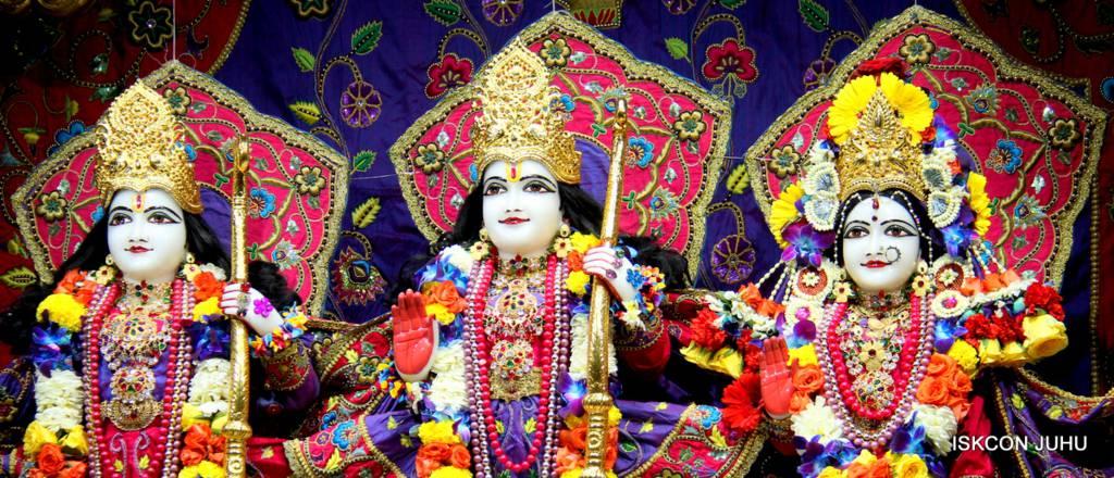 ISKCON Juhu Sringar Deity Darshan 29 Jan 2016 (39)