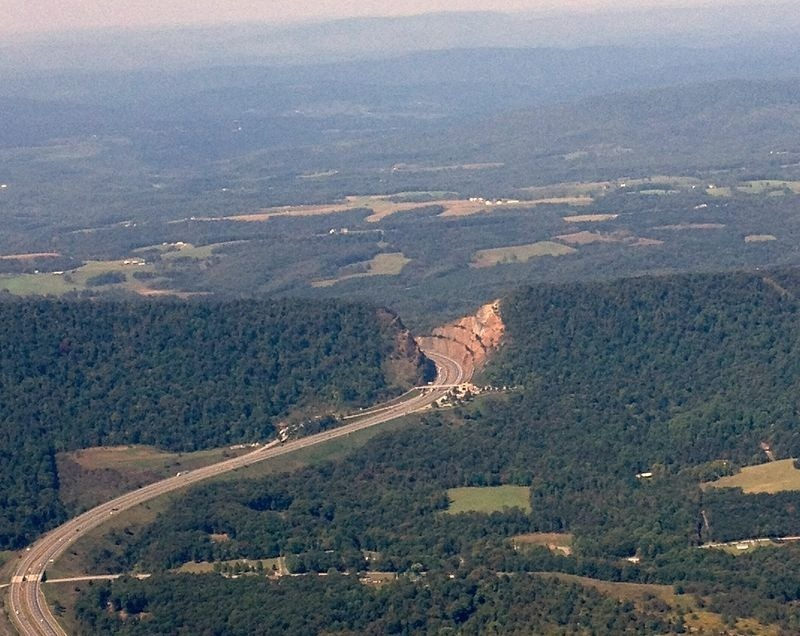 Sideling-Hill-Road-Cut-22