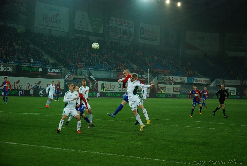 Piast_vs_Slask_2016_03-03.jpg