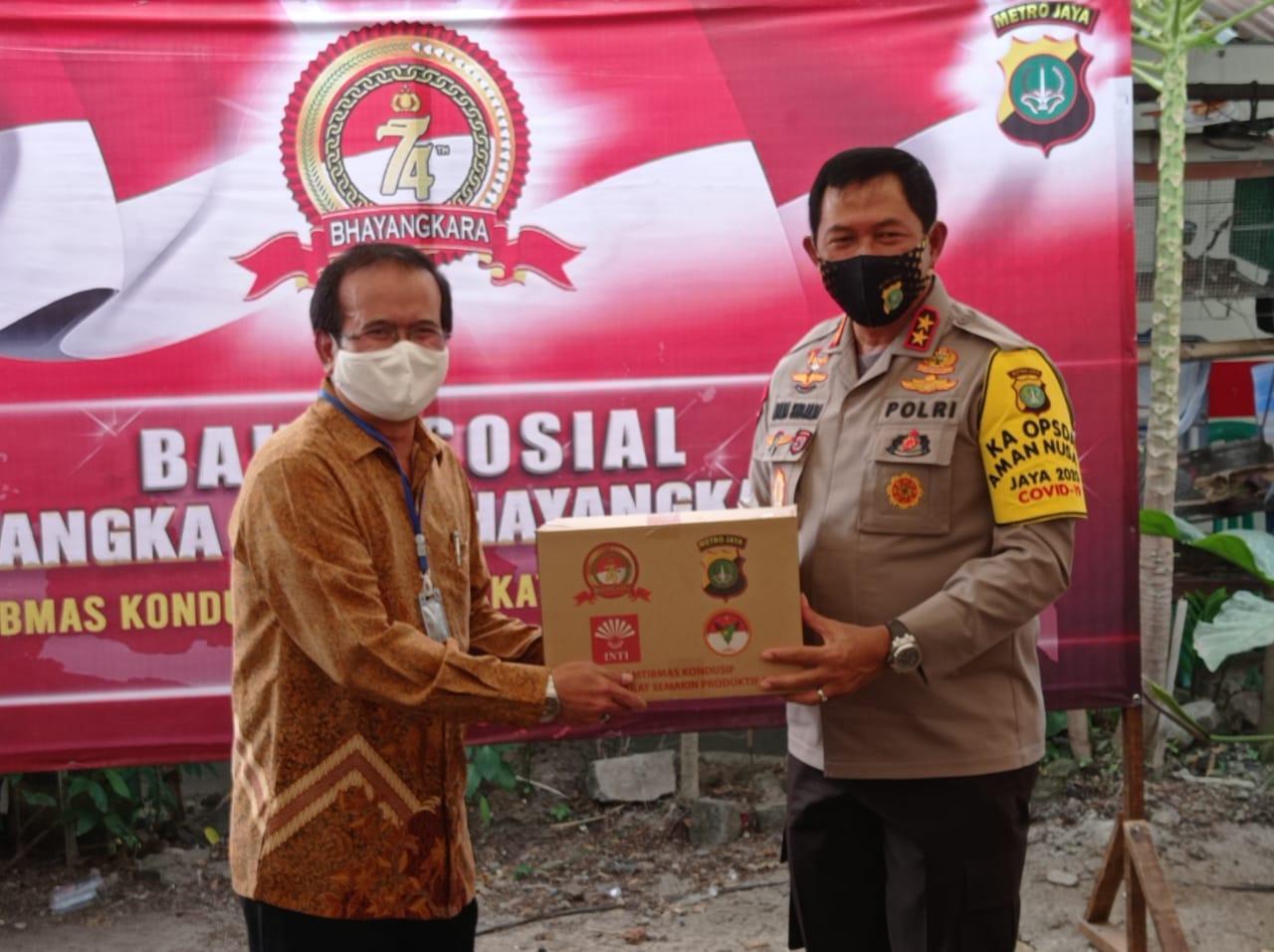Silaturahmi Hari Bhayangkara Ke 74 Kapolda Metro Jaya Salurkan Bantuan