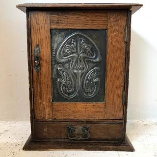 English Arts & Crafts Oak Box