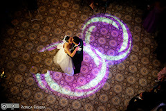 Foto do casamento de Fabiana e Johnny. Confeitaria Colombo, Rio de Janeiro, RJ.