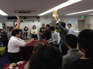 渋谷区千駄ヶ谷のニューオフィス披露パーティーでマジックショー マジシャンえいち