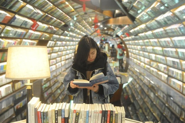 Book sales jump during Spring Festival holiday in Shanghai
