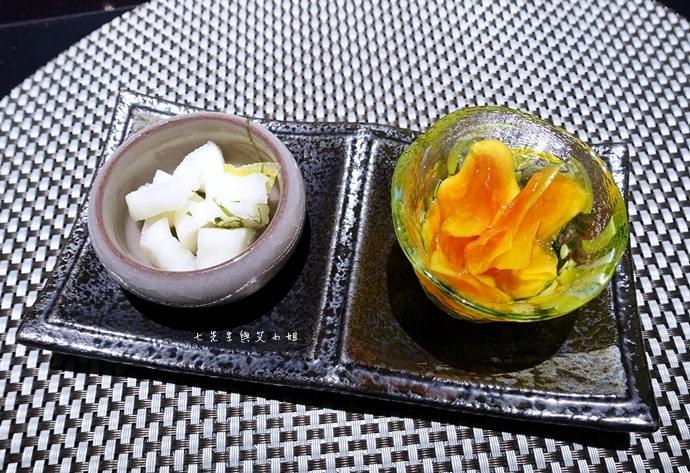 10 鼎膾北海道毛蟹專門店 無敵海景生魚丼2.1 澳洲和牛鍋物買一送一