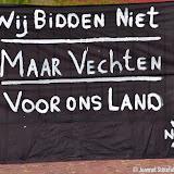 Demonstratie Kamaraadschap Noord Nederland bij gemeentehuis Pekela