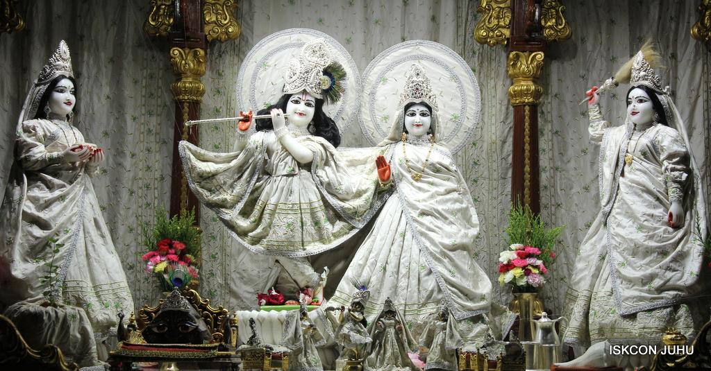 ISKCON Juhu Mangal Deity Darshan on 8th Sep 2016 (22)