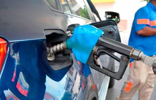 El gobierno congela el precio de todos los combustibles
