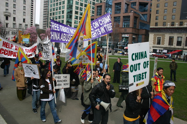 Global Protest in Vancouver BC/photo by Crazy Yak - IMG_0135.JPG