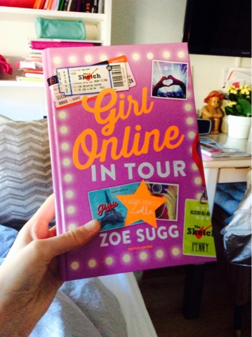 Bought Girl Online from Zoe Sugg Zoella in a bookstore in Rome and love it! http://isafahsionebella.blogspot.com