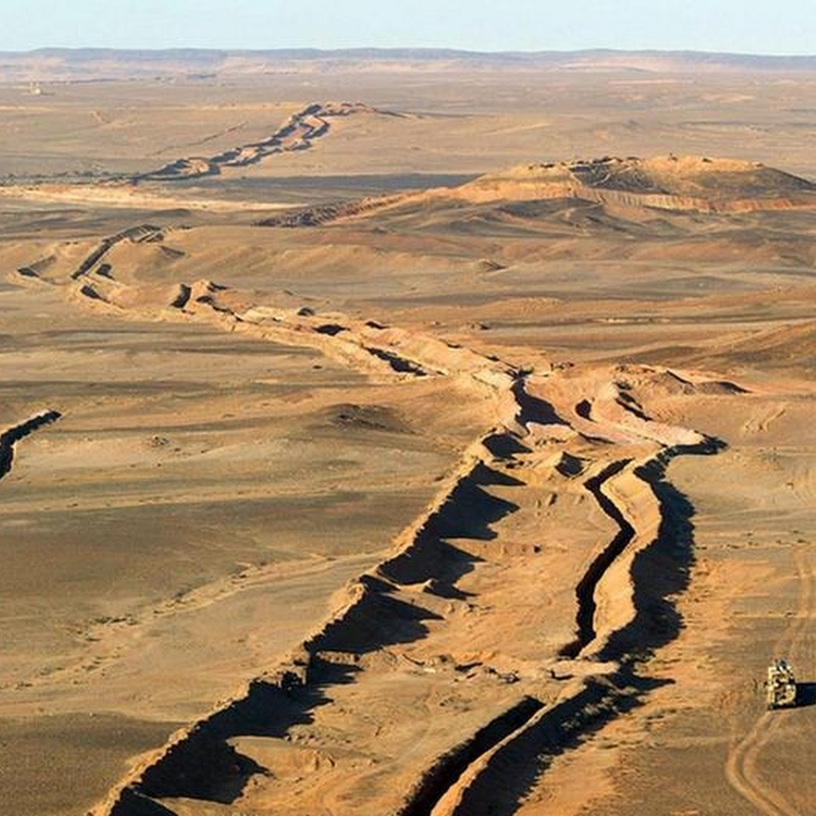 Moroccan Wall: The Longest Minefield in The World