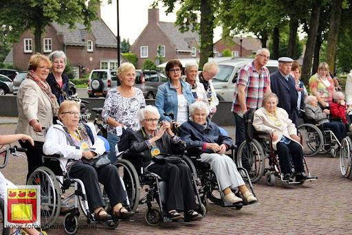 Rolstoel driedaagse 28-06-2012 overloon dag 2 (8).JPG