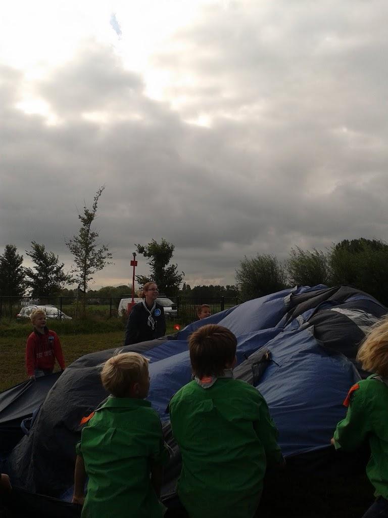 Welpen - Parachute - 2012-09-15%2B10.19.12.jpg