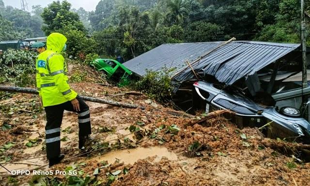 Rumah, kenderaan rosak tanah runtuh di Kampung Madsiang