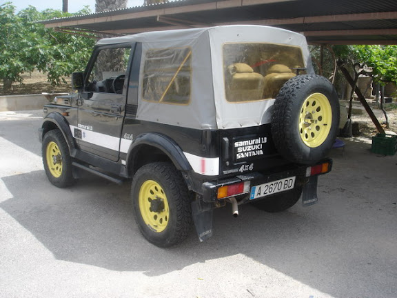 Suzuki 88 techo de lona para llevar plegado en el coche - Quitar rayones coche facilmente ...