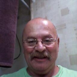 Dennis  Dann