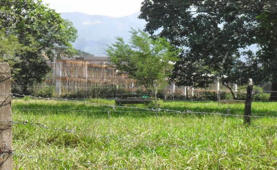 Lote Amplio Ubicado entre los Municipios Girón y Floridablanca en la Via Conocida como el Anillo Vial