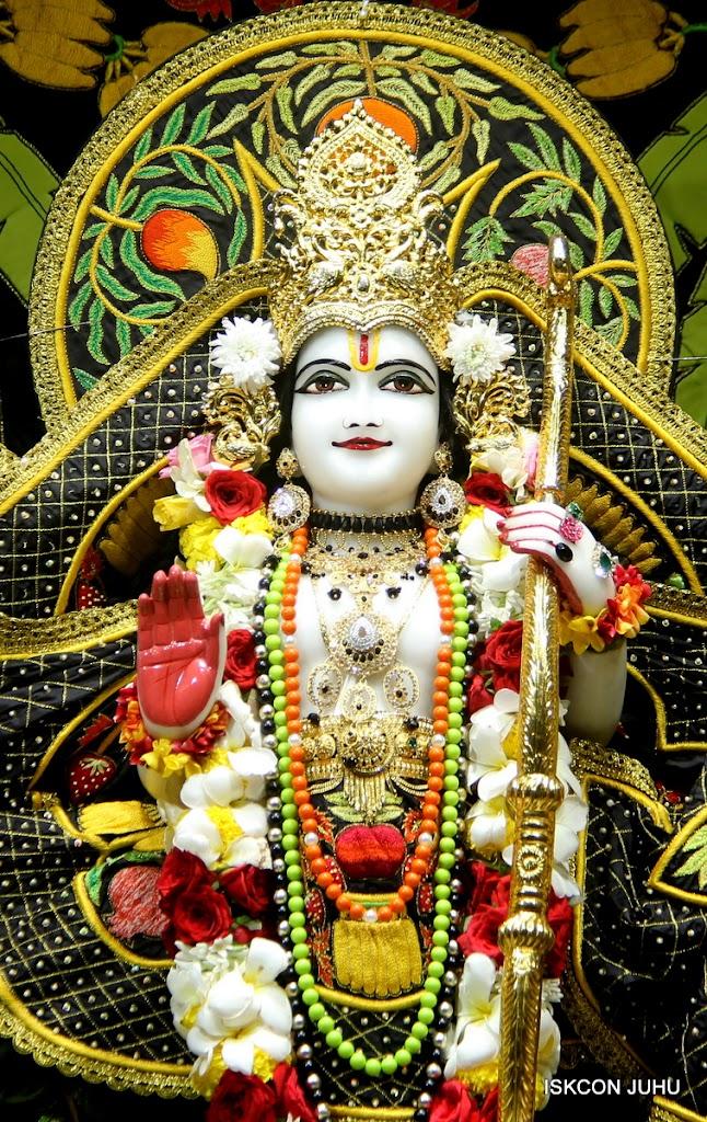 ISKCON Juhu Sringar Deity Darshan on 2nd July 2016 (25)