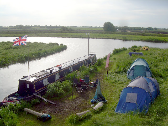Wild campers on the Great Ouse
