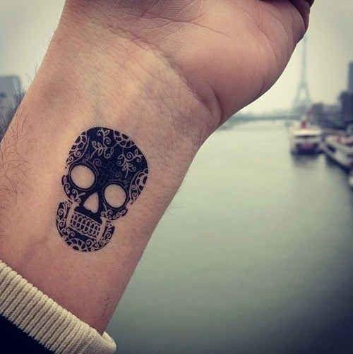 incrvel_pulso_de_açcar_tatuagem_de_caveira