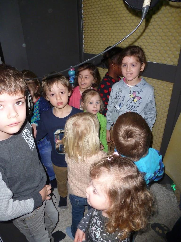 Leefgroep 1 op bezoek in een muziekkamer - P1080914.JPG