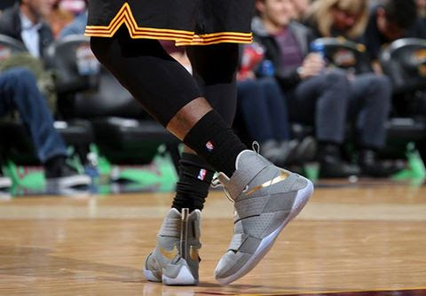 LBJ Debuts Battle Grey Soldier 10s on Ring Ceremony Night