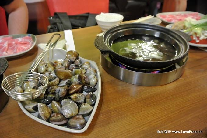 苗栗頭份【東京小火鍋】給超多蛤蜊的石頭火鍋