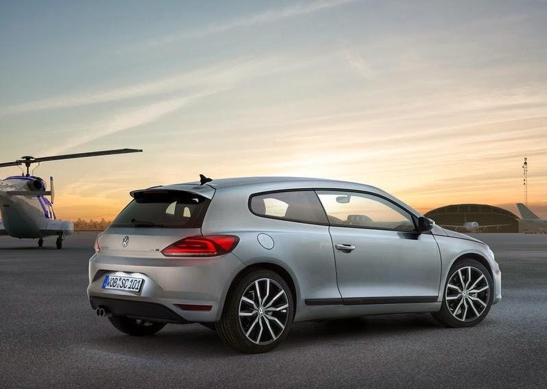 Volkswagen_Scirocco_2015_4