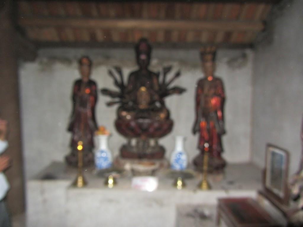 0023Ngo_Quyen_Temple