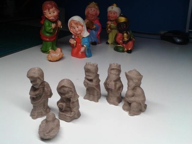ef6eb5ea957 Obtención de datos de figuras navideñas mediante   Fotogrametría Terrestre  y Escáner 3D.