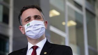 Pacheco devolve MP de Bolsonaro das fake news