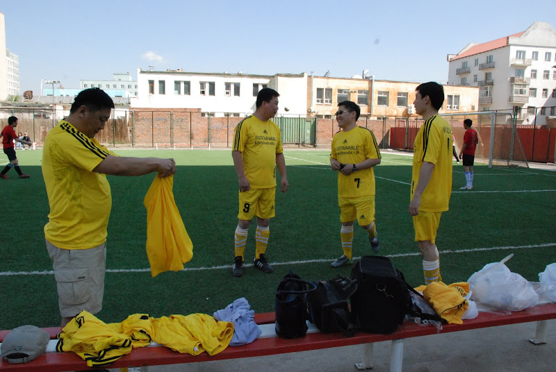 2010-Football competition of Alumni networks