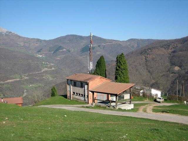 Rutas Montaña Asturias: Antenas en Villamarcel