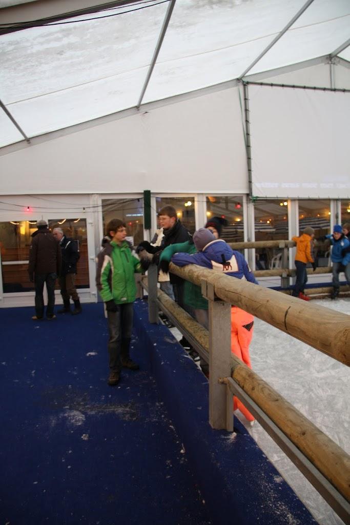 Sinterklaas bij de schaatsbaan - IMG_0405.JPG