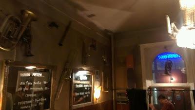 Glenn Miller Café 988