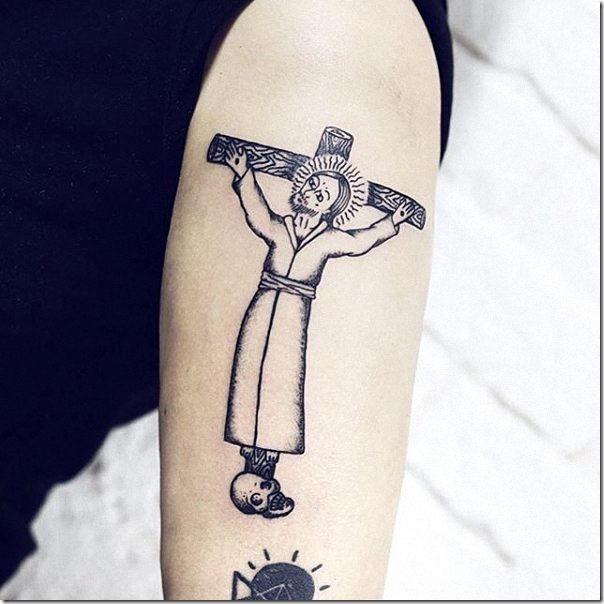 tatuaje_de_jesucristo_en_la_cruz