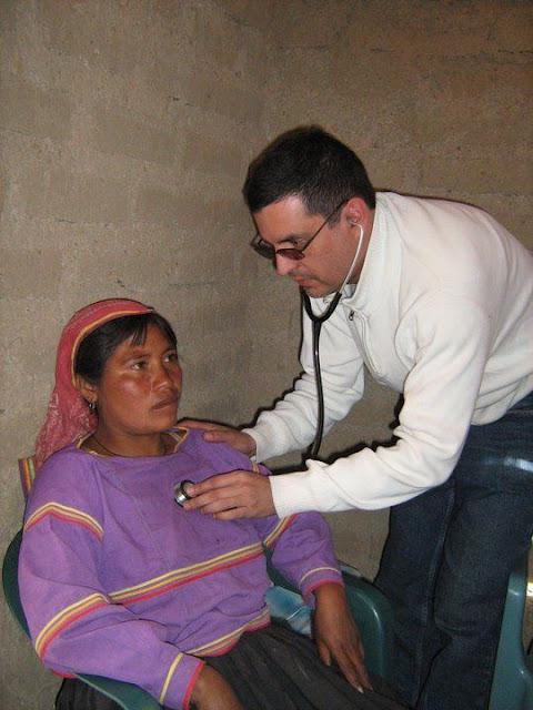 Fundacion Clinica de Medicina Indigena DIC.09 - 148805_158661544168885_100000751222696_251335_4094876_n%255B1%255D.jpg