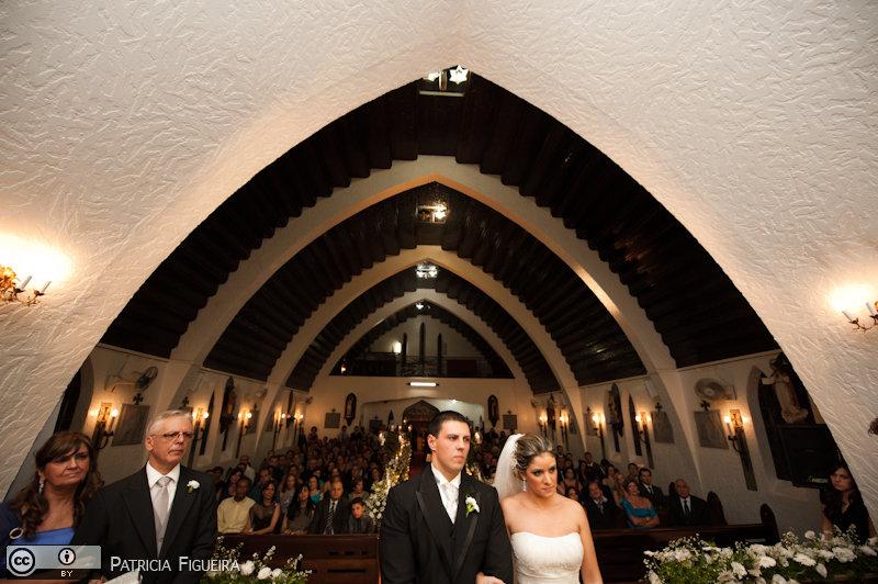 Foto de casamento 1087 de Andressa e Vinicius. Marcações: 02/04/2011, Casamento Andressa e Vinicius, Igreja, Igreja de Santo Antonio Teresopolis, Teresopolis.