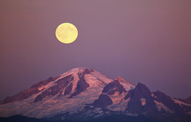 Moon over Mt. Baker / Credit: Kenneth Quinn