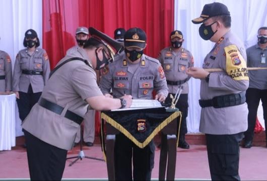 Kapolda NTB Pimpin Upacara Sertijab Kabid Propam Dan Kapolresta Mataram