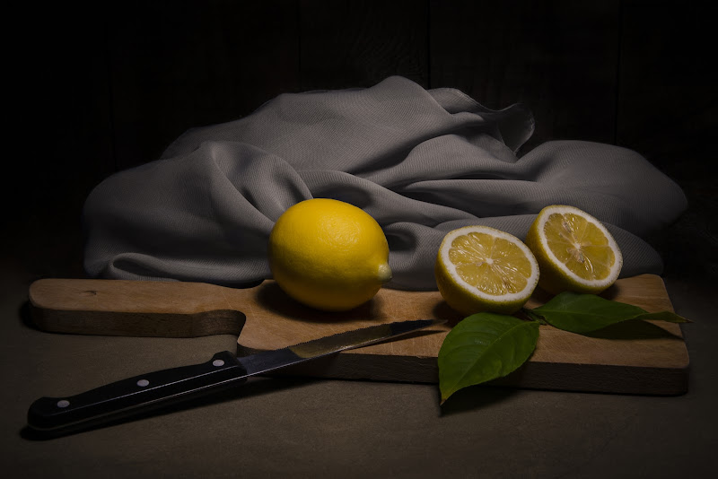 Lemon and gray... di Xena_dei_due_fiumi