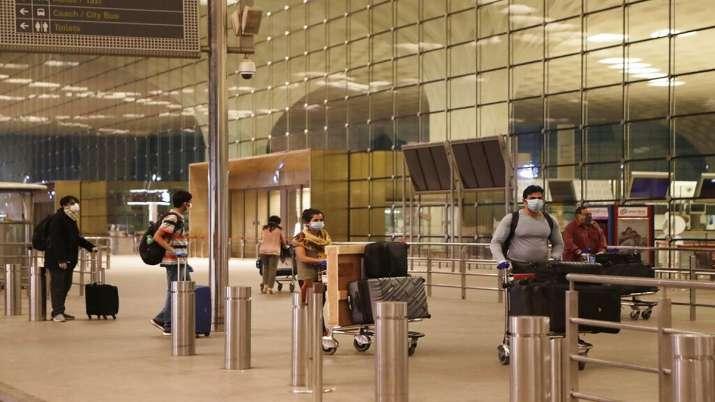 ख़त्म हुआ मुम्बई एयरपोर्ट के टेकओवर का काम....गौतम आडवाणी के हाथ में आया कमान