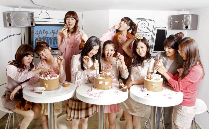 少女時代ケーキ食べる
