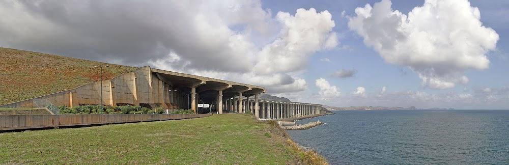 Madeira_Airport_Runway.jpg