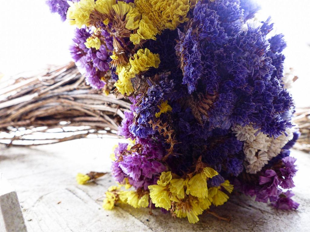 [bouquet-of-flowers-1445356852zJt%5B2%5D]